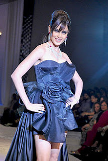 220px Genelia at HDIL India Couture Week Genelia DSouza Wallpapers, Bollywood Gossip &amp; Biography, Photos