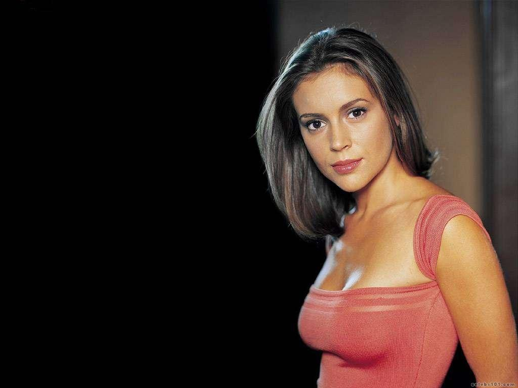 alyssa milano wallpaper So I figured that they started around the same exact time as I got pregnant.