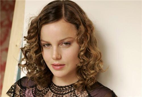 http://4.bp.blogspot.com/_H8Y9XEQXkGo/TUGXyKloOXI/AAAAAAAAM4s/NFI7y8zlkn4/s1600/Hollywood+Actress+Abbie+Cornish+Photos-7.jpg
