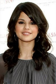 selena gomez hair bang