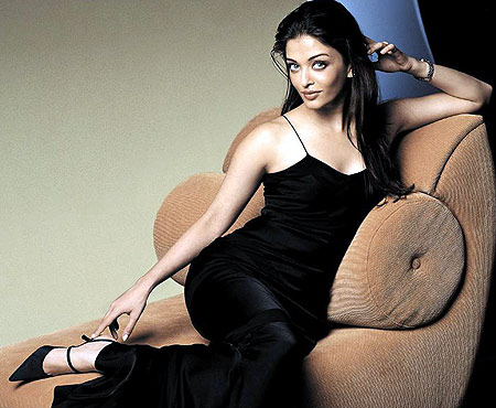 Aishwarya Rai Latest Romance Hairstyles, Long Hairstyle 2013, Hairstyle 2013, New Long Hairstyle 2013, Celebrity Long Romance Hairstyles 2225