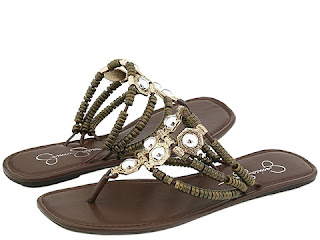 http://4.bp.blogspot.com/_HAsOPS64irU/SfBVHyfGL8I/AAAAAAAAAOU/AnzLXDfULAU/s320/jessica-simpson-carsi-sandal.jpg