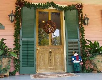 Navidad y manualidades adornos navide os para puertas for Adorno navidad puerta entrada