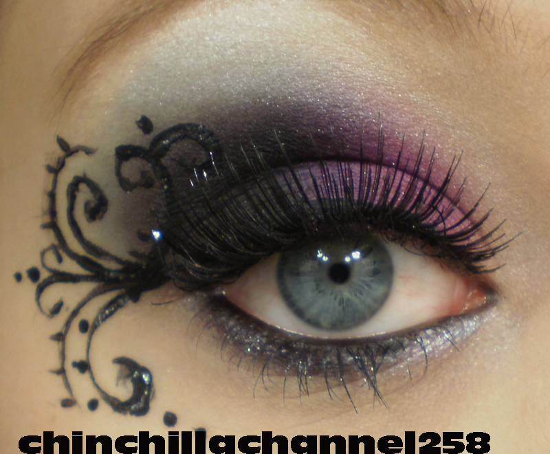 pink smokey eye makeup. black and pink smokey eye
