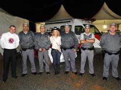 POLICIA MILITAR E PADRE GEAN