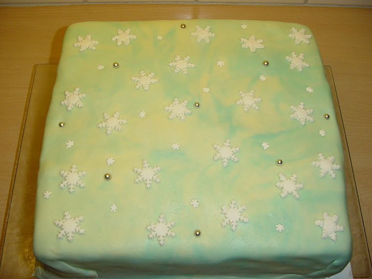 Sneeuwvlokjes taart