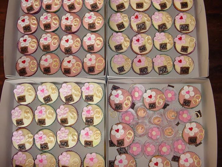 56 gebakjes met een paar specials van marsepein voor de kinderen.....