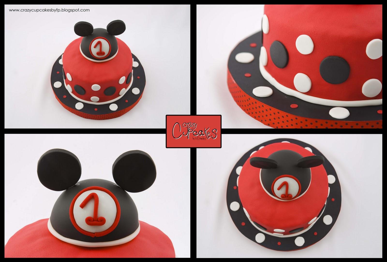 ... su mama maria angeles eligio una torta muy simpatica de mickey mouse