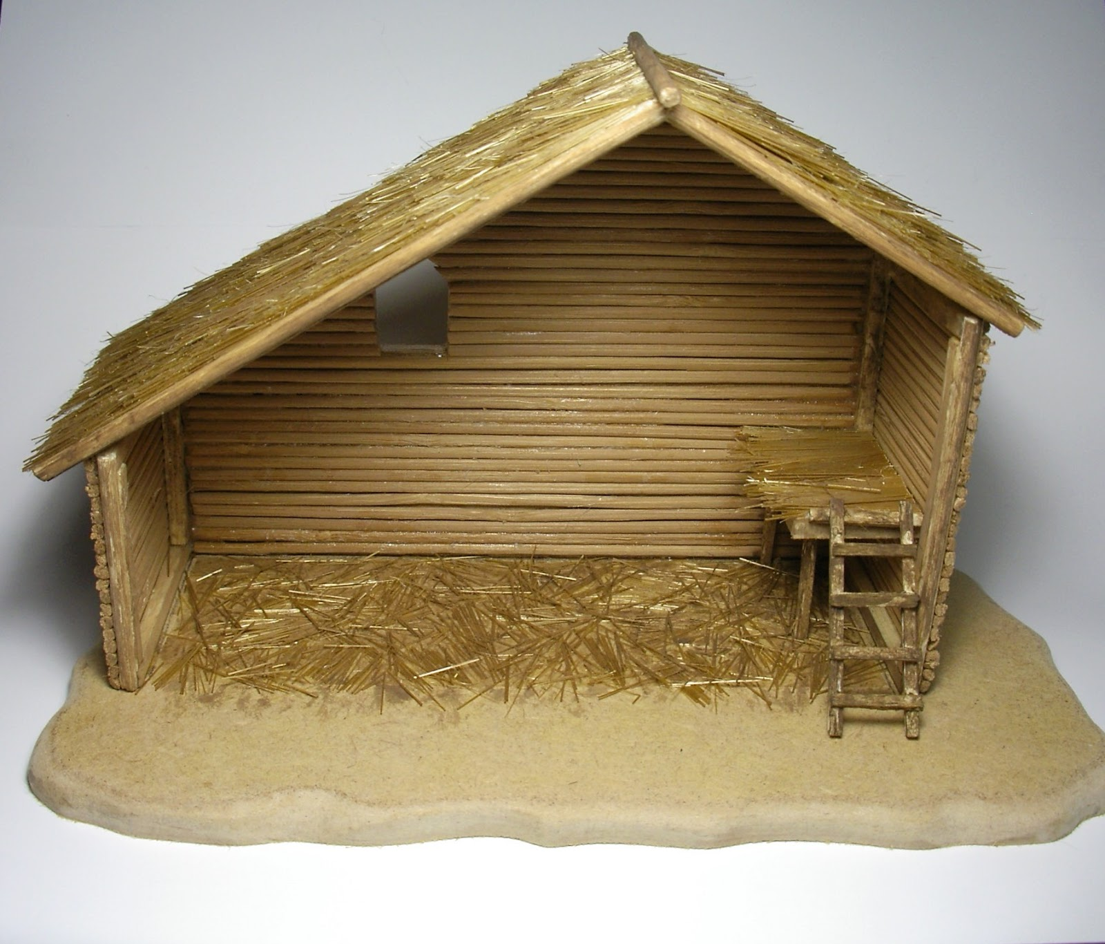 Outdoor nativity stable 1600 x