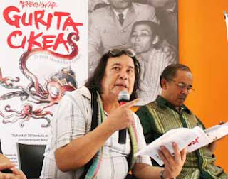 download ebook Membongkar Gurita Cikeas