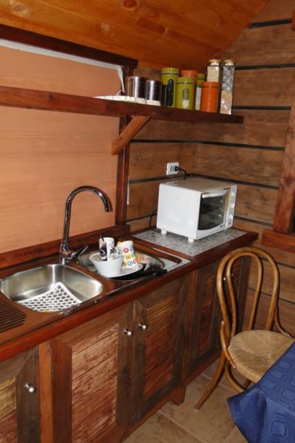 Domos geod sico de madera con fardos de paja casa domo for Domo muebles