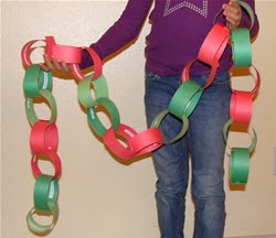 Christmas Countdown Activity Chain - Kids Craft Project