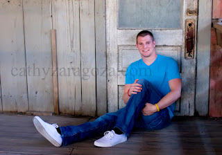 senior pictures poses and examples of boys