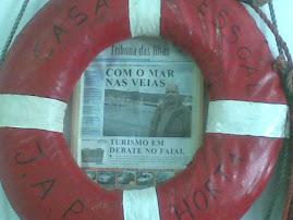 COM O MAR NAS VEIAS...