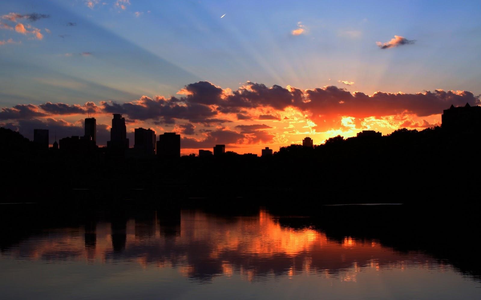 http://4.bp.blogspot.com/_HNBHgCgg_UY/TUGytr9nMRI/AAAAAAAAAfo/SaijjIYzAoI/s1600/Minneapolis+Sunset.bmp