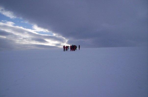 Caminando en la inmensa soledad antártica