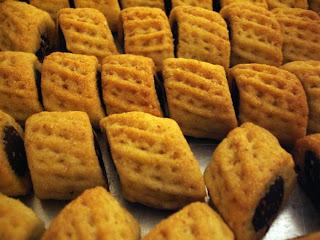 libyan food: Date Filled Semolina Cookies: Magroodh مقروض ...