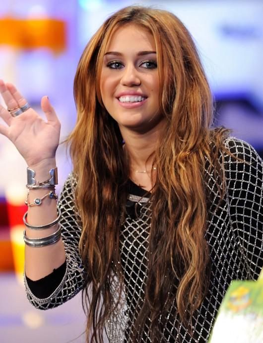 cyrus fakes Miley