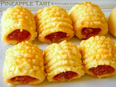 ... laugh at me yea i know it s not a right time to make pineapple tarts