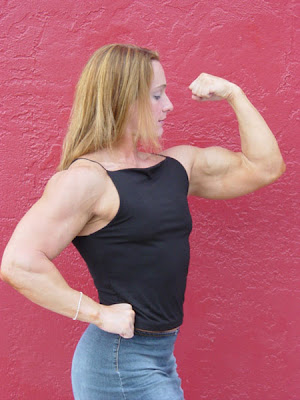 amanda dunbar, fbb, female bodybuilder, female muscle, bodybuilder, biceps, muscle, workout, fitness, massive