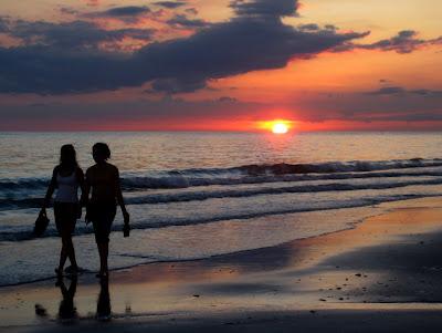 Beach Sunset Friends (Source)