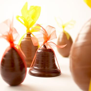 Vintage finds easter treats and flying bells - Cloches de paques ...