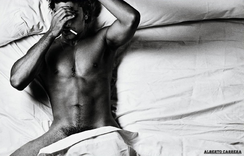 http://4.bp.blogspot.com/_HWfIqLuFk4o/S_aPMl7VvGI/AAAAAAAAA2M/zmOrOZwaInk/s1600/jesus-luz-shirtless-interview-magazine-01.jpg
