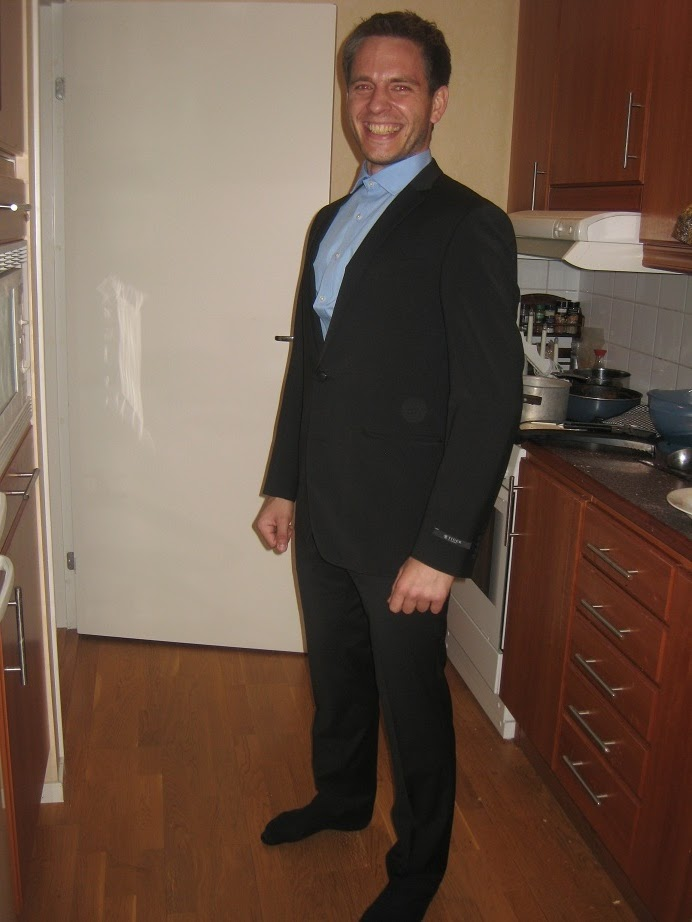 långt hår ukrainare kostym i Stockholm