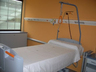 Como hacer una cama hospitalaria apuntes auxiliar for Cama ocupada