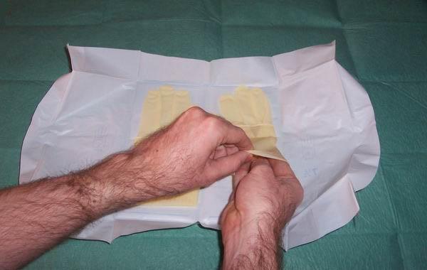 Técnicas de enfermería: Colocación de guantes esteriles