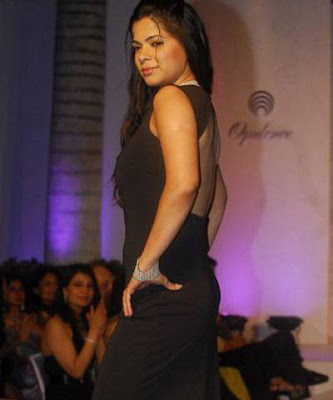 Pushpanjali walks on ramp