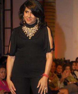 Anjana Bhargava in a black dress on ramp