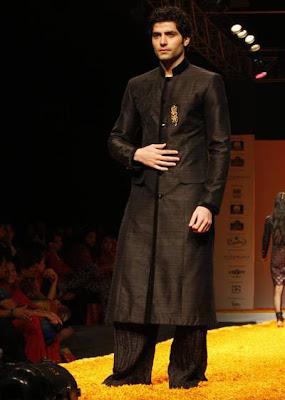 Models at the Kolkata Fashion Week