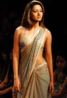 Gauhar Khan walks on ramp