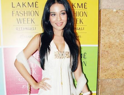 Amrita Rao in Lakme Fashion Week