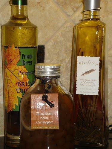 oil and vinegar bottles oil and vinegar bottles pictures. Black Bedroom Furniture Sets. Home Design Ideas