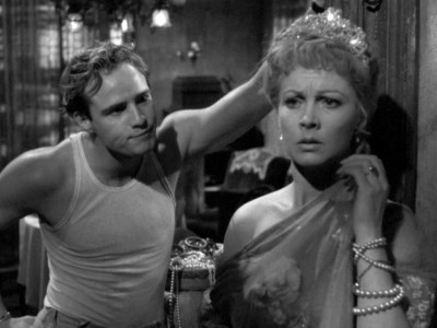 to what extent can blanche dubois Exam question: how does williams suggest that blanche dubois represents the  faded grandeur of the american past explore the ways in which williams.