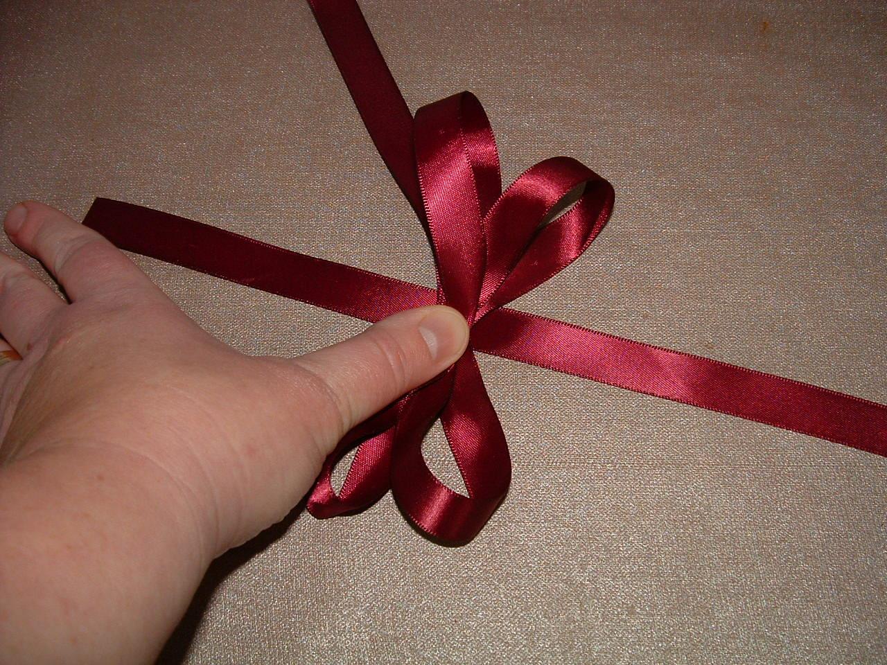 Обычный бант на подарок