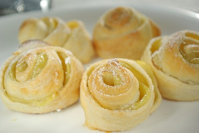 Рецепт булочек из слоеного бездрожжевого теста
