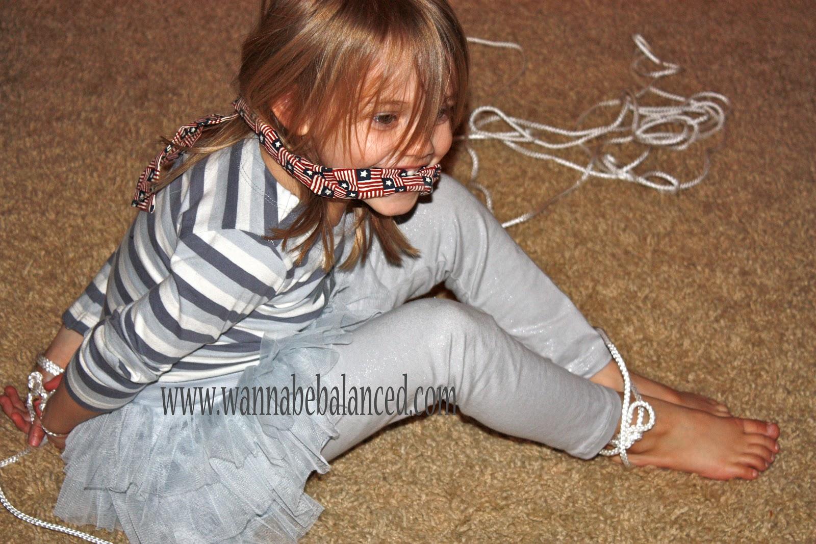 Bondage girls tie up games mom