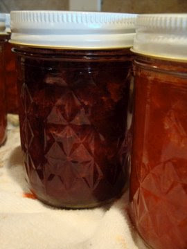 Sarah's Musings: Honey Sweetened Strawberry Preserves
