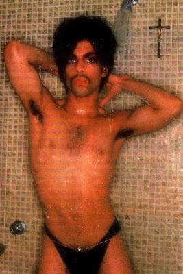 http://4.bp.blogspot.com/_HciLQMSM5_g/SdB9valkS_I/AAAAAAAAJLI/bUeoH4TJ3tA/s400/Prince_Shower.jpg