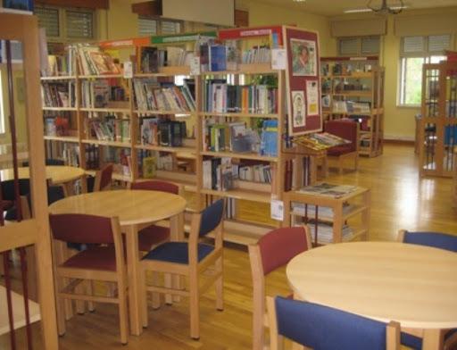 Biblioteca da EBI do Marão