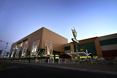 http://4.bp.blogspot.com/_HdwpzKUEOJs/ShWrF6P9oCI/AAAAAAAAAAM/Lnndvtsqefo/s400/salvador-shopping-02.jpg