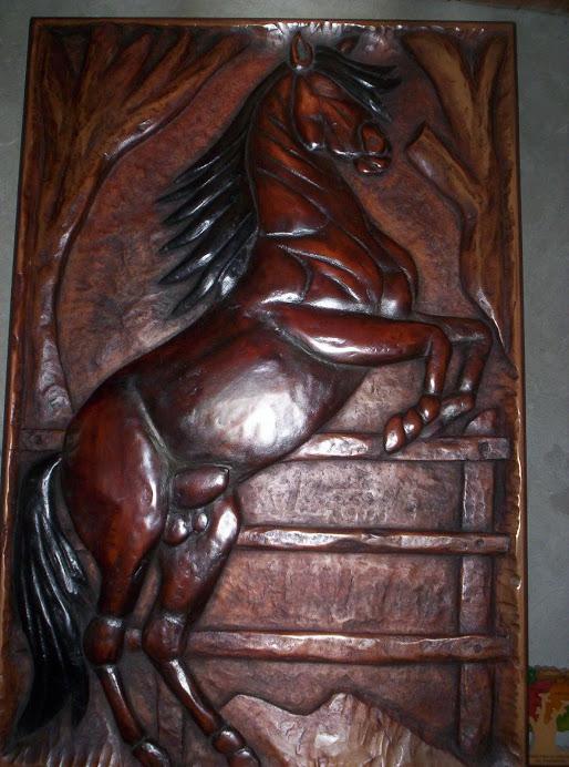 Corcel Crin Negra tallado en madera