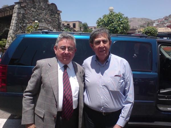 Charla en Guanajuato con el Lic. Nicéforo Guerrero y el Ing. Cuauhtémoc Cárdenas sobre el petróleo.