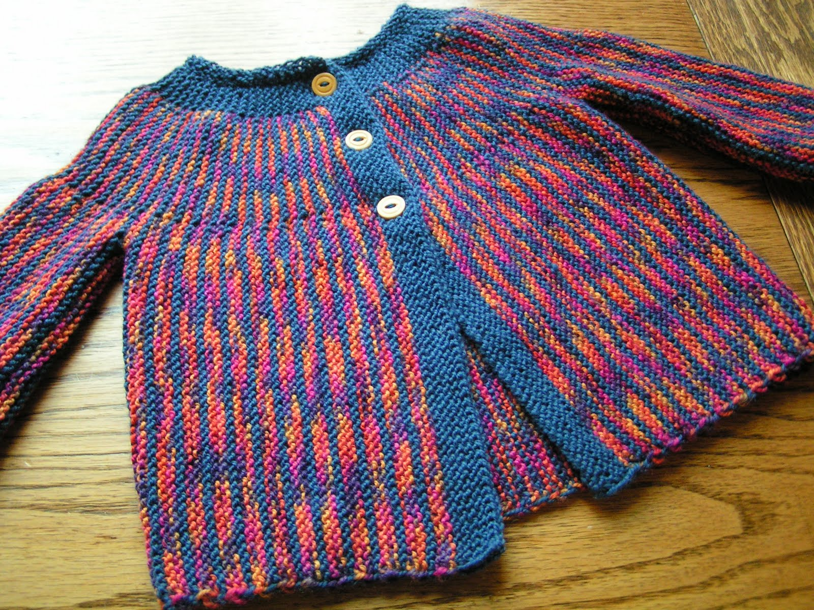 A Piper Knits: DROPS Garter Stitch Baby Sweater