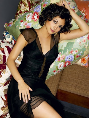 Morena Baccarin-Anna From V