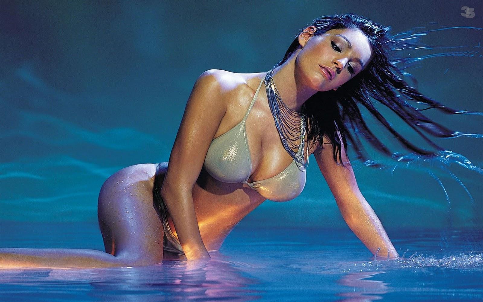 http://4.bp.blogspot.com/_HgT0gYsPNwU/TLYsTVxR-pI/AAAAAAAAADo/urR6jTcghr8/s1600/Kelly-032-Brook-032-Hot-032-in-032-Bikini-1920x1200.jpg