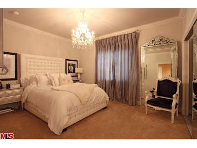 Kardashian House on Kim Kardashian S Guest Bedroom   Totally Love It
